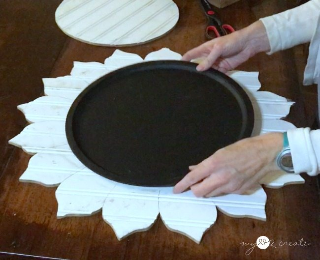 fitting magnetic chalkboard pizza tray into flower shape