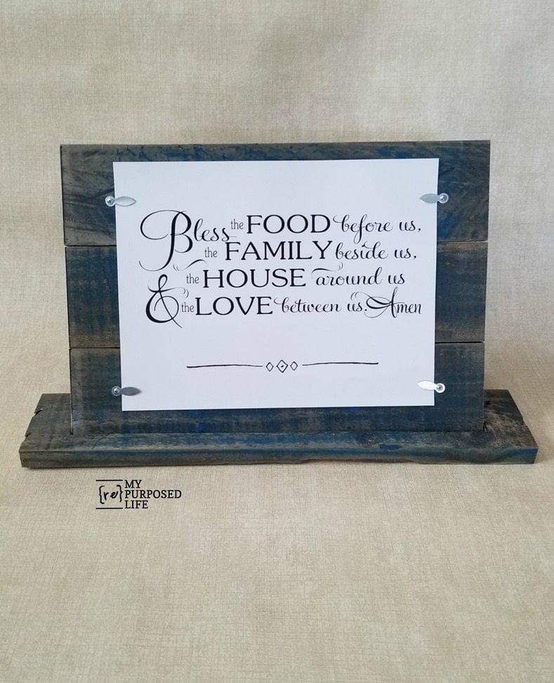 free-standing blue pallet frame MyRepurposedLife.com
