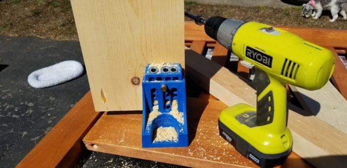 kreg jig builds a headboard bench