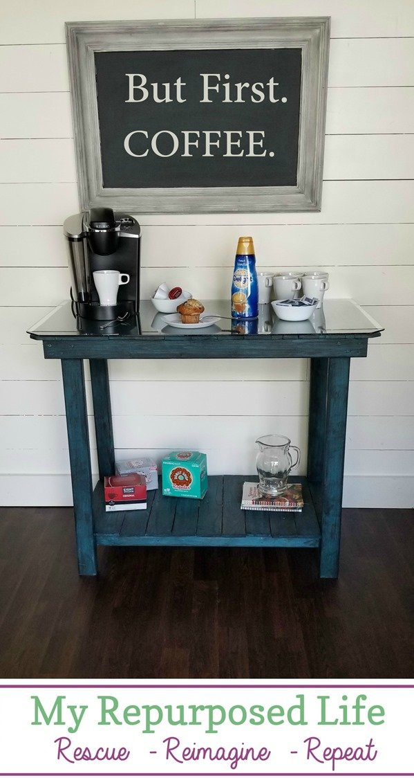 How to make a coffee bar pallet table. Tips for constructing a handy table/bar out of pallet wood. #MyRepurposedLife #repurposed #pallet #table #coffee #bar via @repurposedlife