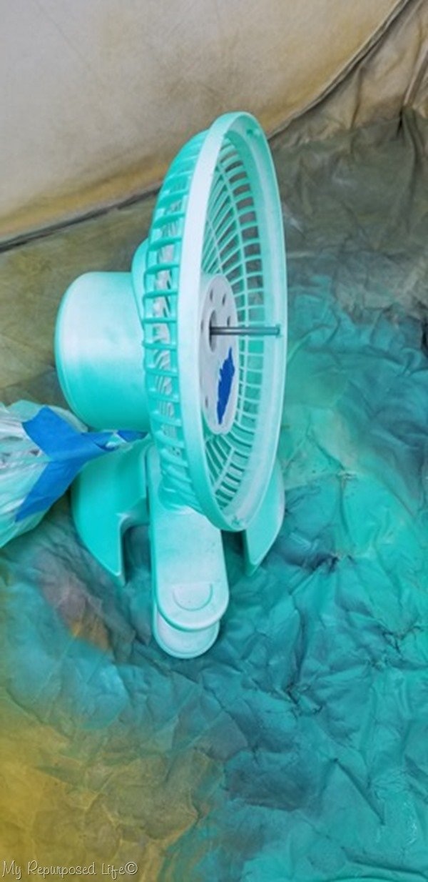 spray paint all areas of desk fan