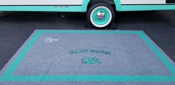 spray painted stenciled outdoor rug MyRepurposedLife
