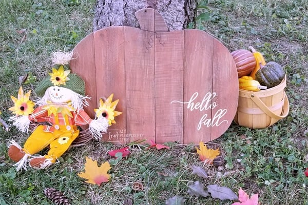 wooden pumpkin hello fall MyRepurposedLife