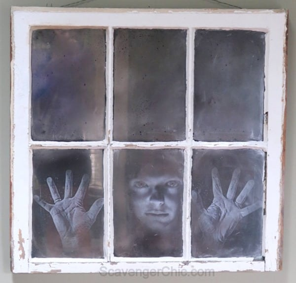 Halloween-Haunted-Spooky-Mirrored-Window-DIY-015