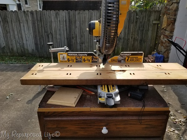 cut table top on compound miter saw
