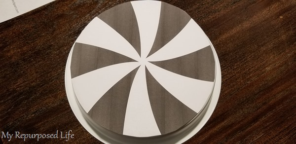 peppermint graphic to fit cake pan