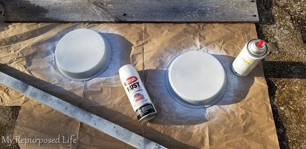 spray paint metal cake pans