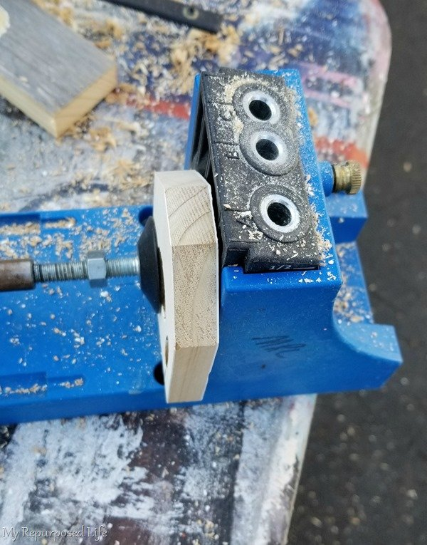 kreg jig drill pocket holes in bracket