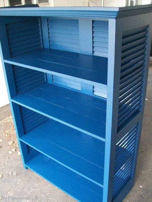 how to make a shutter bookshelf