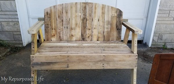diy loveseat bench made from pallet boards