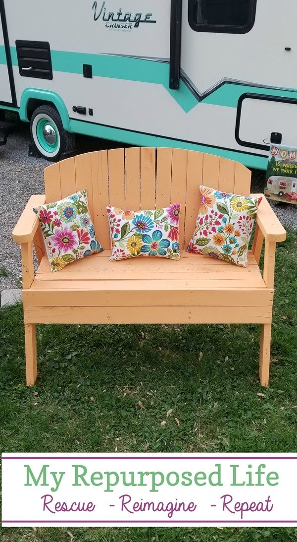 garden bench made from a pallet MyRepurposedLife