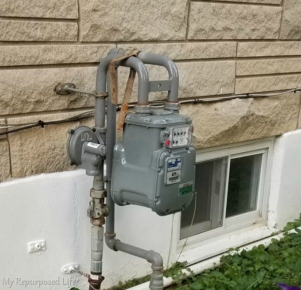 how to hide your outdoor eyesore - your gas meter