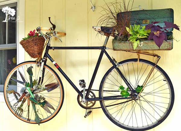 Vintage-Bicycle garden art