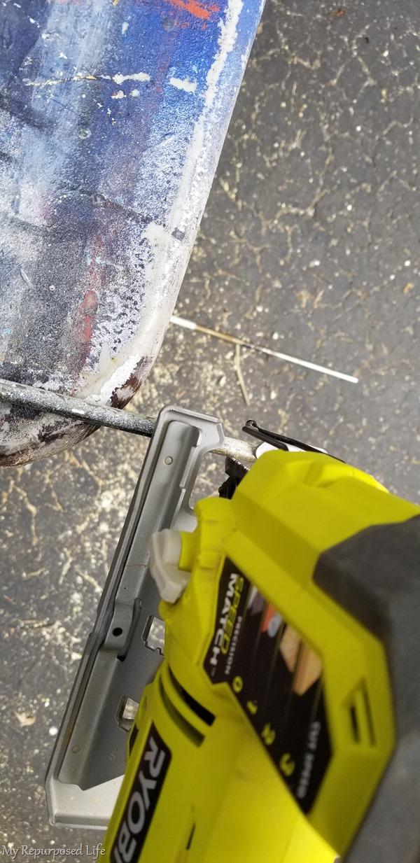 cut crib rod with jigsaw