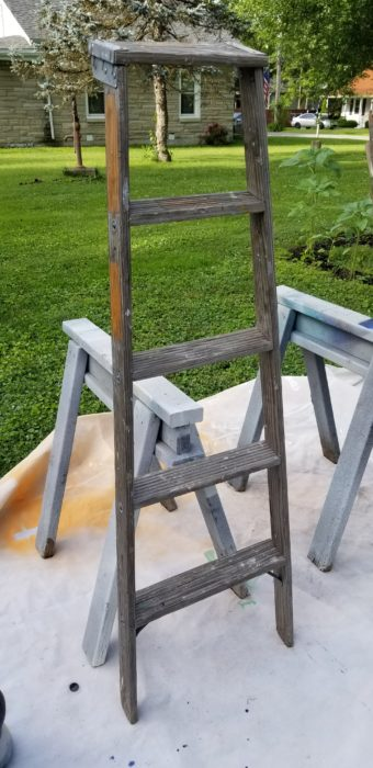 how to paint a wooden ladder