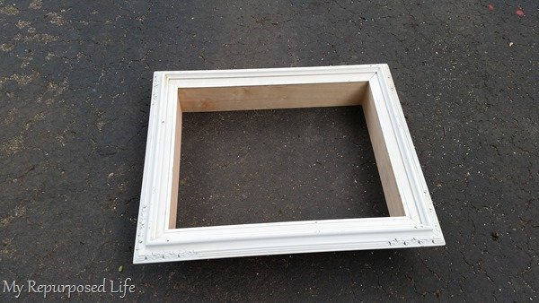 how to make an easy shadow box out of a picture frame