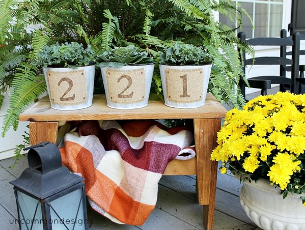 Metallic_burlap_stenciled_buckets