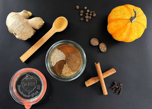 Back-To-Basics-DIY-Pumpkin-Spice-Blend-Recipe-2