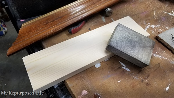 sand shelf with sanding sponge