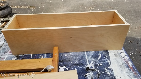 build box for toy box bench