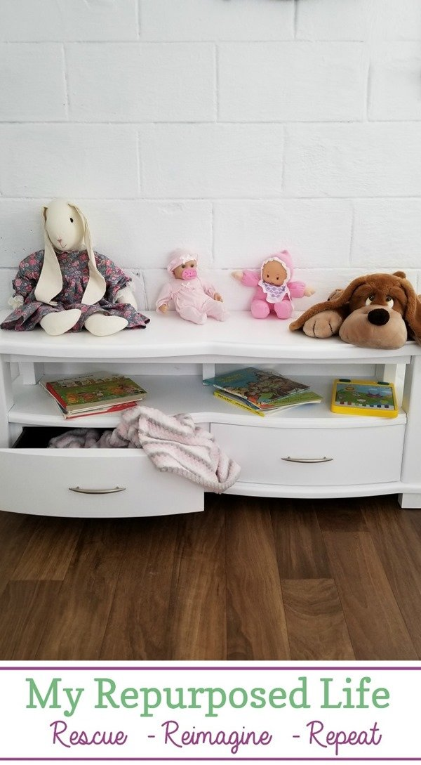 storage bench for kids made from over sized coffee table MyRepurposedLife