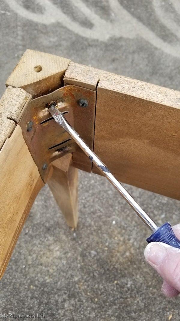 tighten all screws to prevent the wobbles