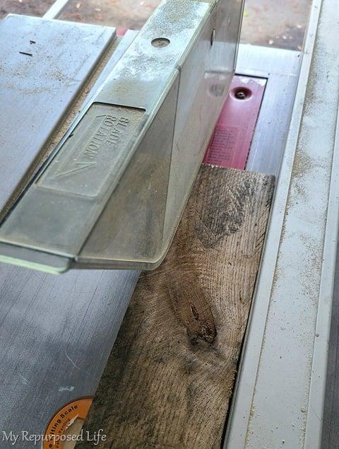 trim pallet board width on table saw