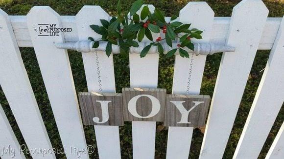 white-picket-fence-Joy-spindle-sign-Christmas-Decor