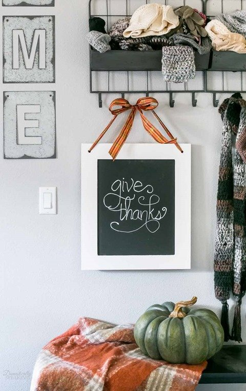 easy fall chalkboard sign
