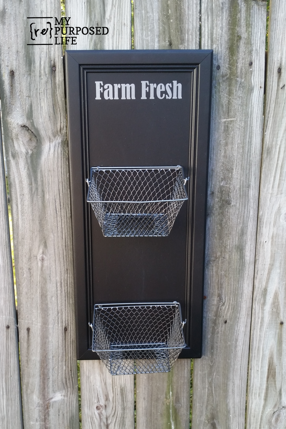 How to make a vegetable bin out of a repurposed cabinet door. Make your own project in an afternoon to hold produce & vegetables. Customize it to your own needs. So many options! #MyRepurposedLife #repurposed #cabinetdoor #cupboardoor #vegetablebin #diy #easy #project via @repurposedlife