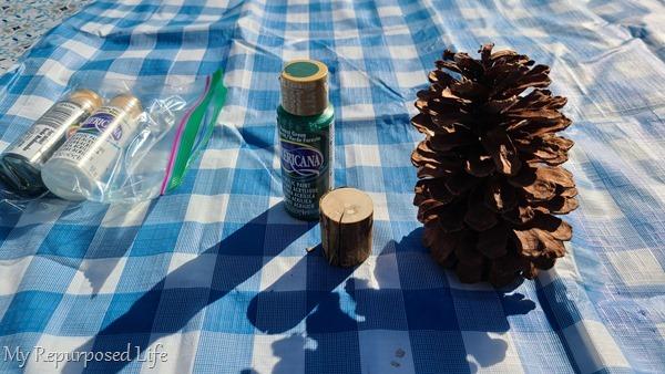 How to make pinecone Christmas Tree