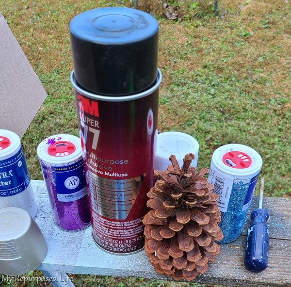 spray adhesive and glitter