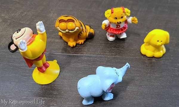 how to happy meal toys ornaments